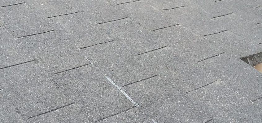 Hausmeisterservice – Instandsetzung – Gartenhaus – Erneuerung des Dachbelages mit Schindeln aus Teerpappe