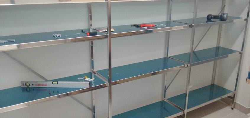 Hausmeisterservice – Möbelaufbau – Metallregal VA + Eisen