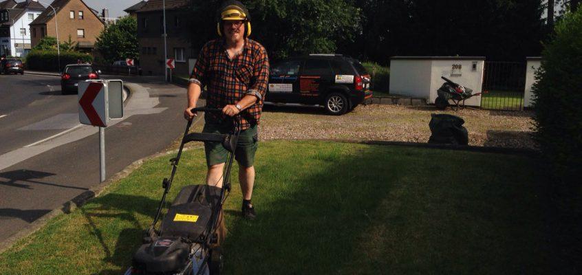 Gartenpflege – Rasen mähen – Große und kleine Rasenflächen