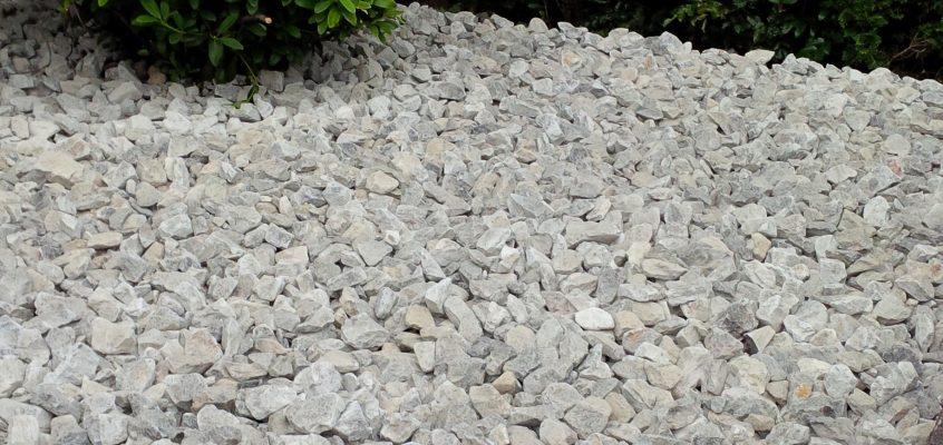Gartenpflege – Anlegen eines Steinbeetes bzw. Schotterbeetes mit Ardenner Grey