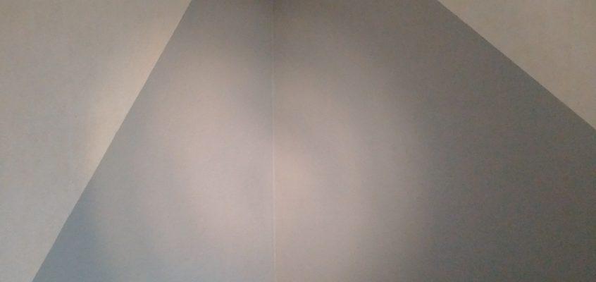 Hausmeisterservice – Renovierung einer Wohnung – Streichen von Wänden mit 2 Farben